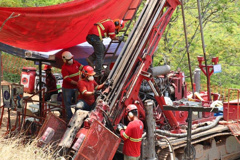 Drill rig in La India vein
