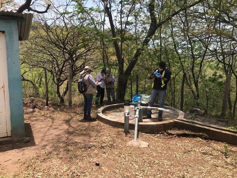 Water sampling in La India project - CAPS El Carrizal village
